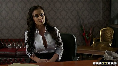 Babe Keira Knight visits the prison