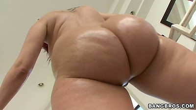 Big round ass Kelly Divine shows off those curves