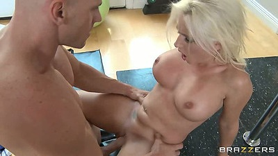 Front penetration with Sammie Spades and sideways shaved pussy fuck