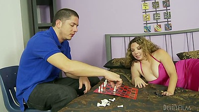 Playing some chess with big tits Kiki Daire