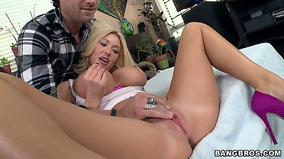 Fingering and blowjob with big tits Summer Brielle with 69 to follow